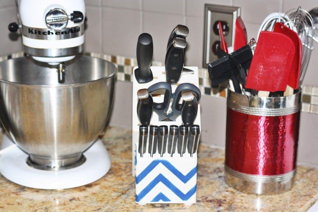 Updated Knife Block - www.refashionablylate.com