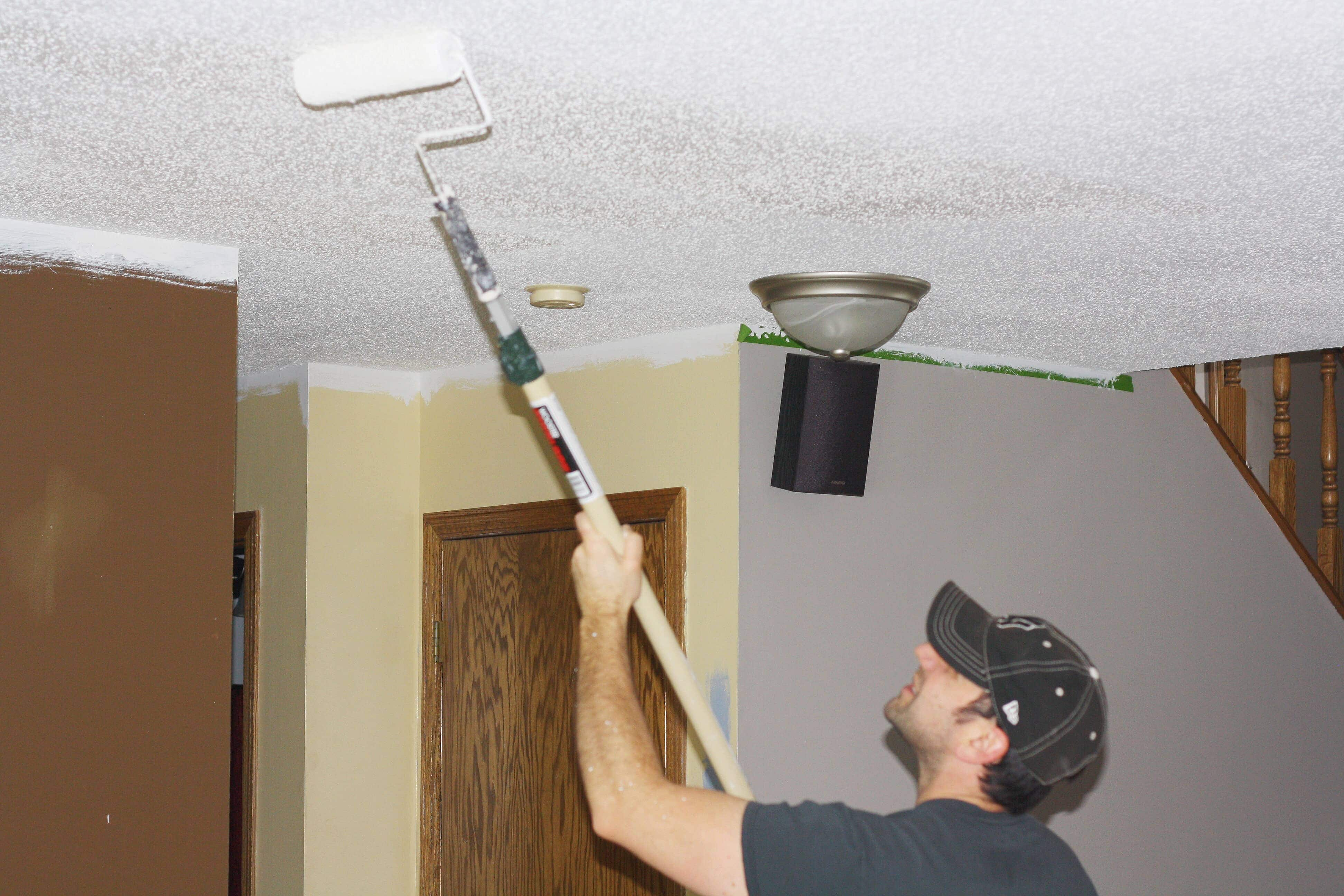 How to paint popcorn ceiling - www.refashionablylate.com