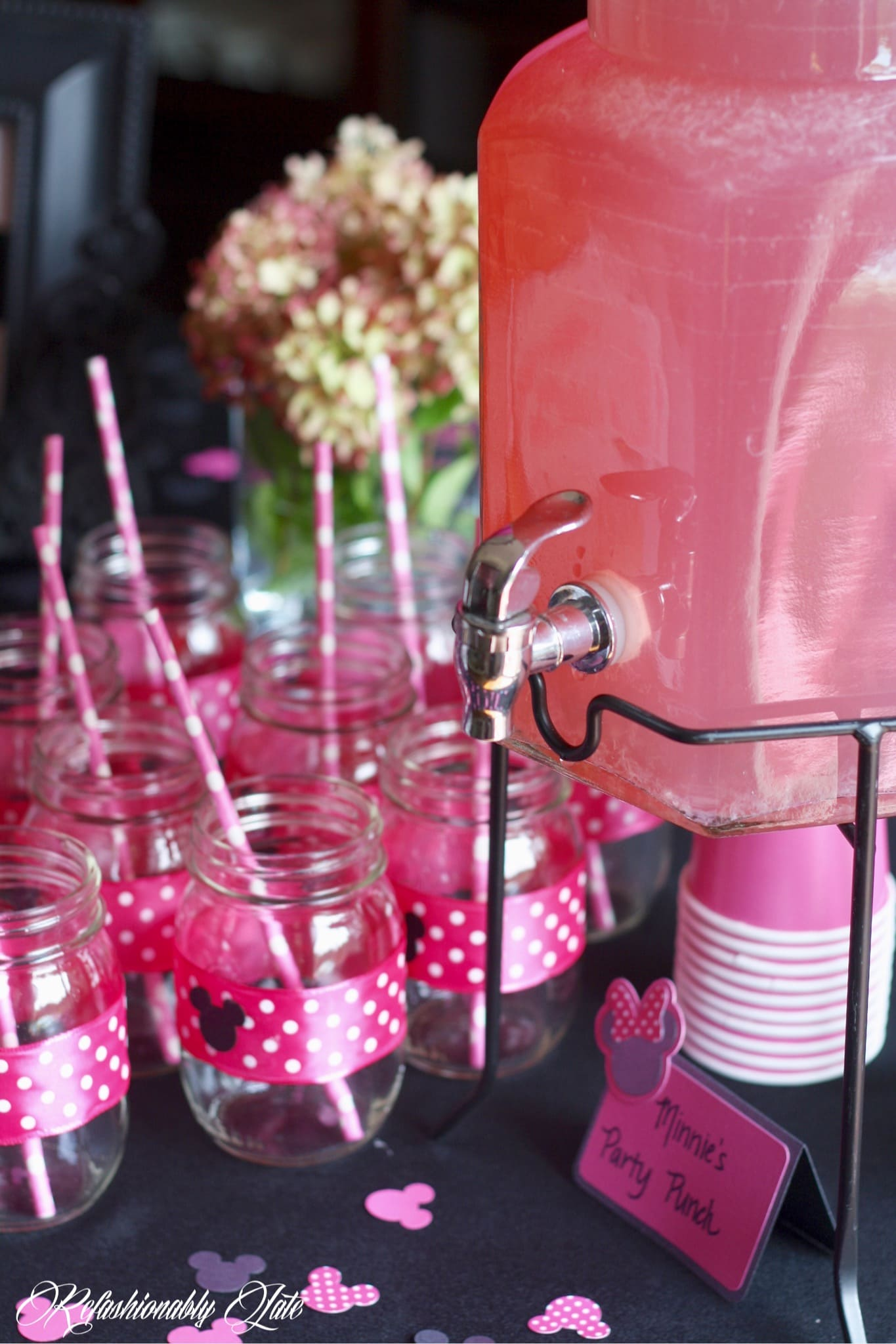 Minnie Mouse Birthday Party - www.refashionablylate.com