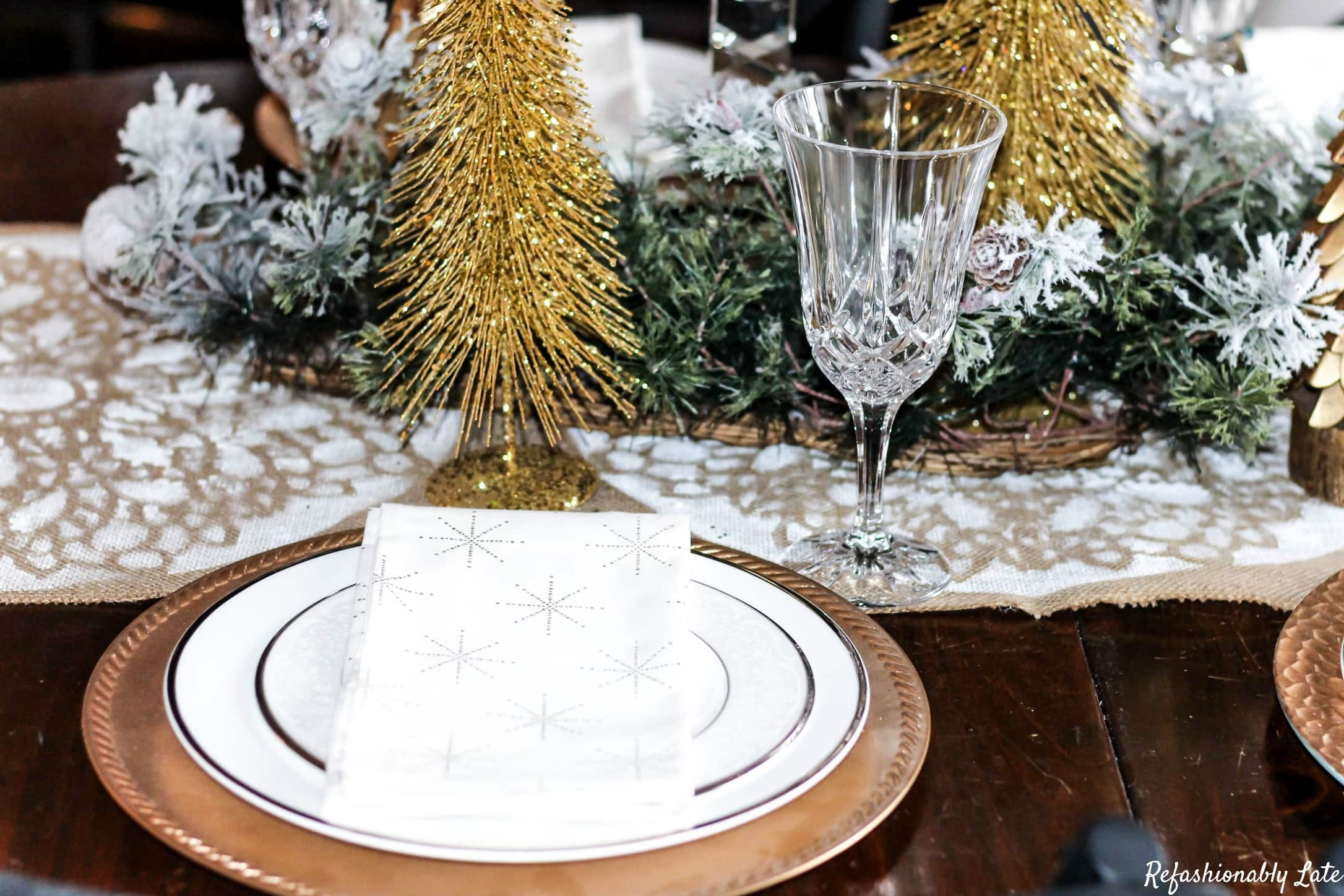 A Burlap Christmas - DIY Burlap Table Runner - www.refashionablylate.com