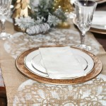 A Burlap Christmas – DIY Table Runner
