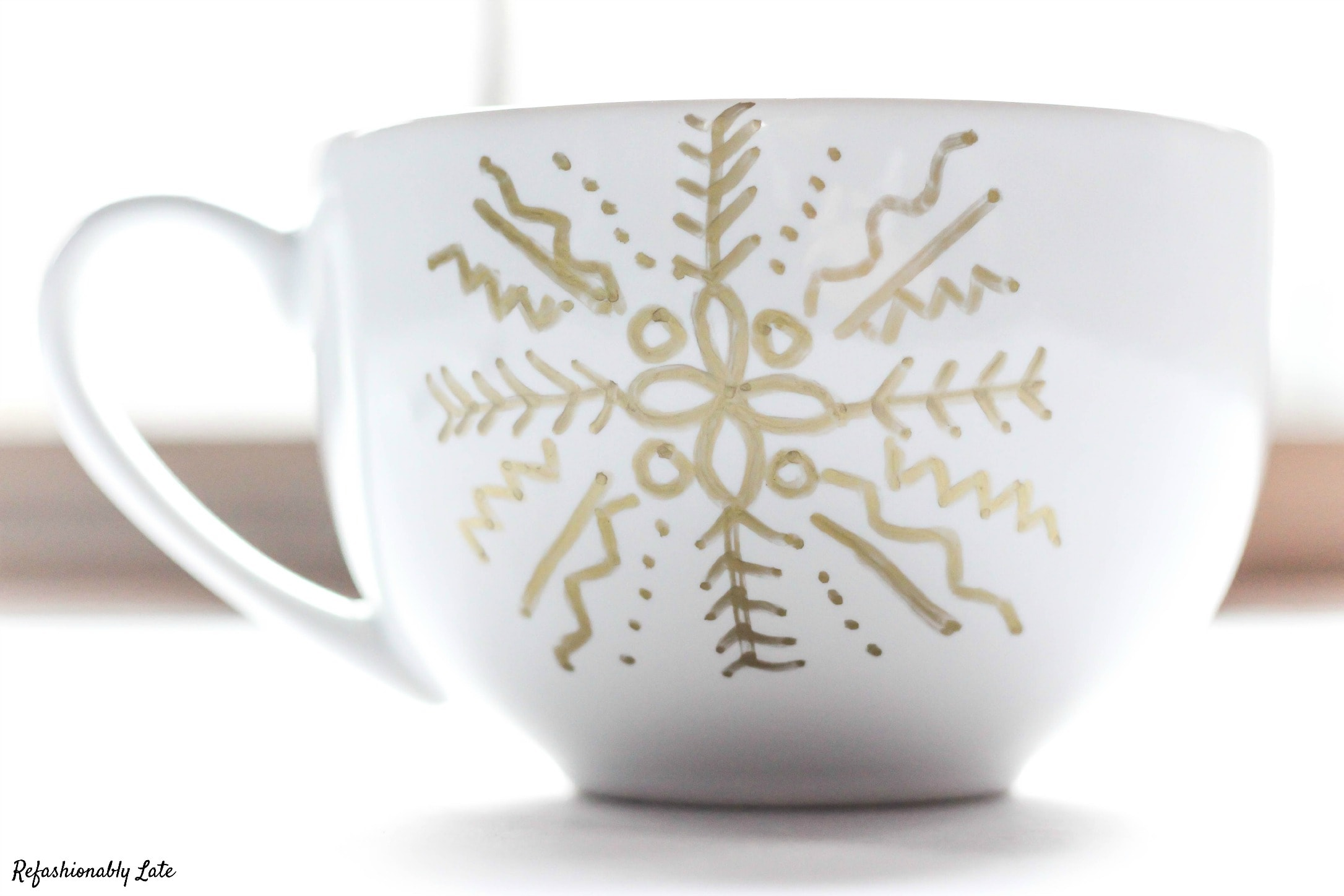Warming Up During the Holidays - Starbucks Gift Basket - www.refashionablylate.com