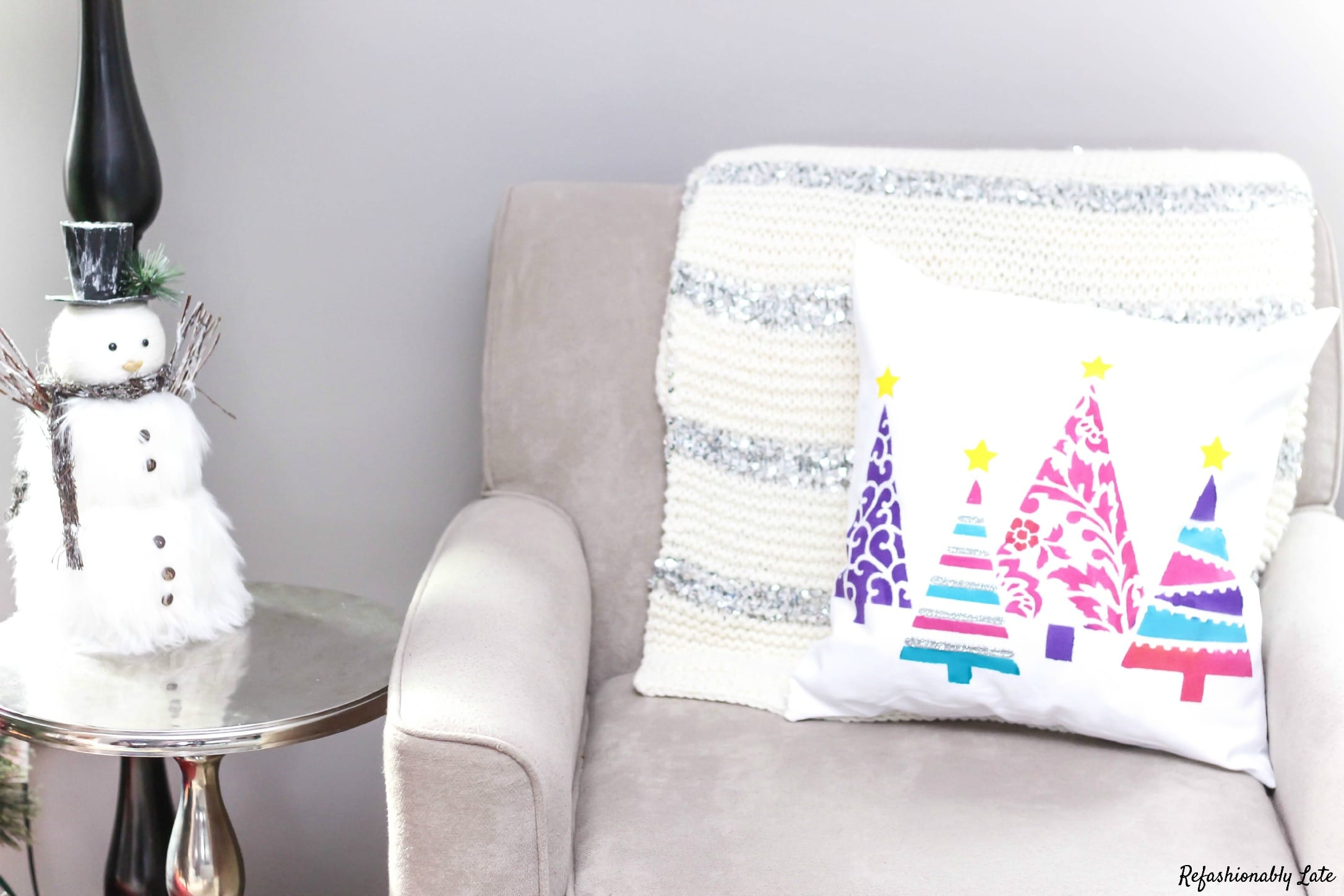 Christmas Pillow Craft - www.refashionablylate.com