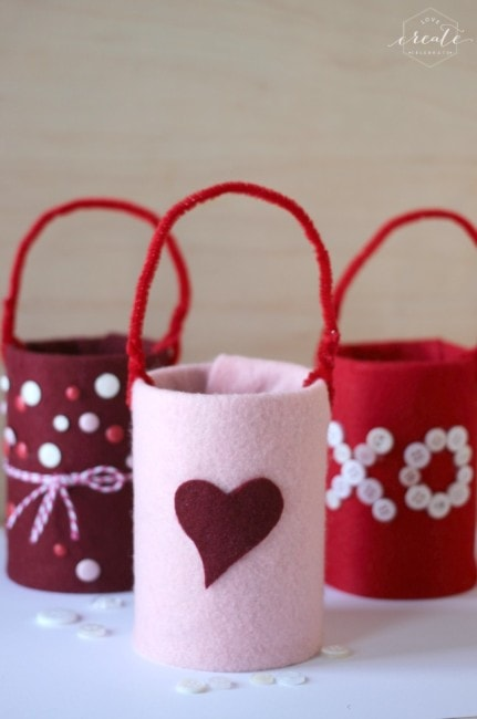 10 Quick and Easy Valentine Crafts - www.refashionablylate.com