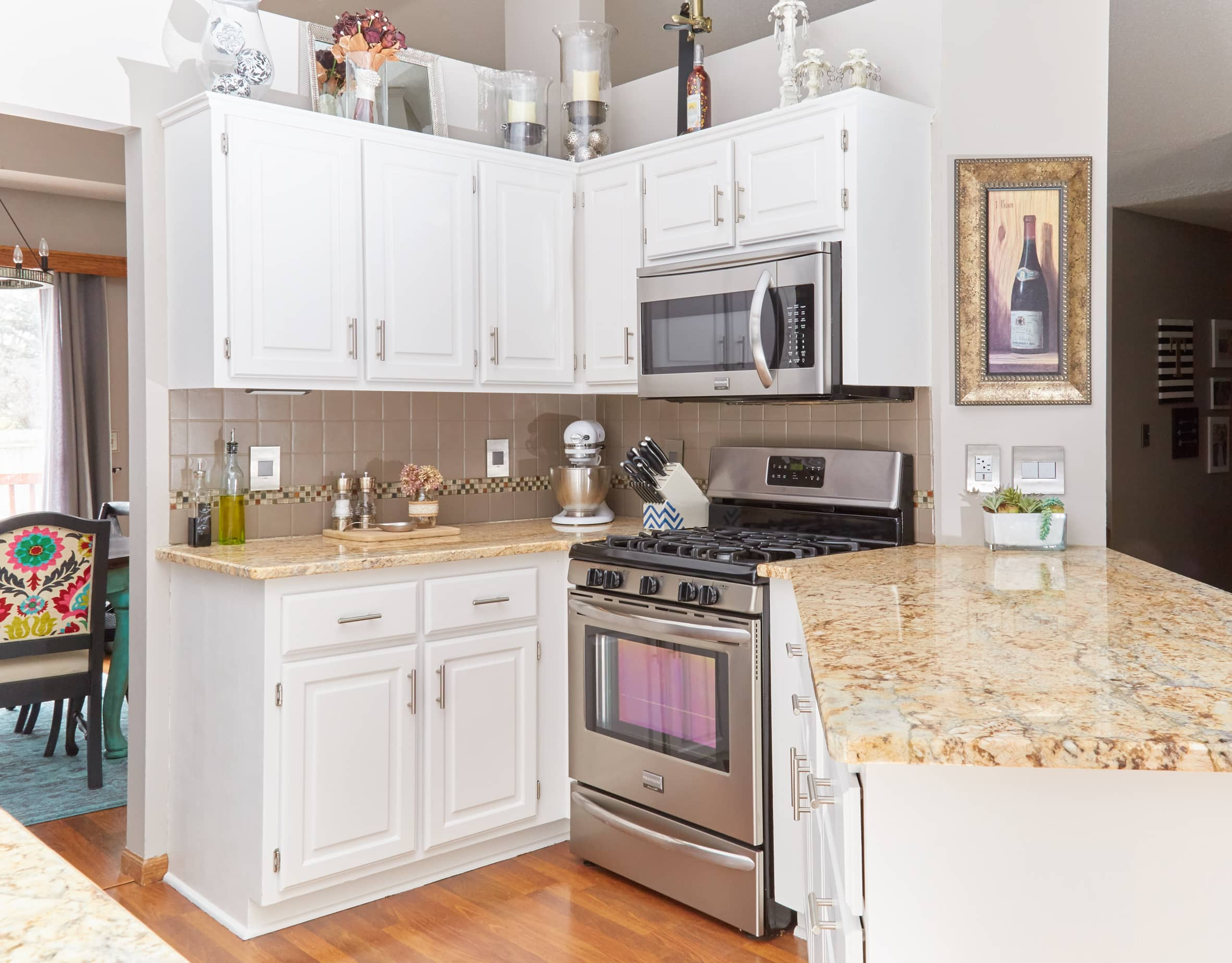 paint your kitchen cabinets the right way to paint your kitchen cabinets homeright 3963