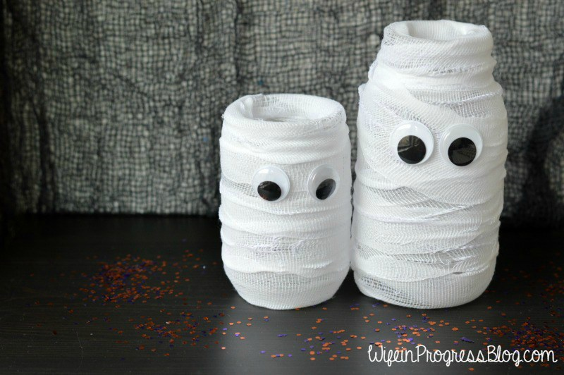 15 Spooky & Adorable Halloween Crafts - www.refashionablylate.com