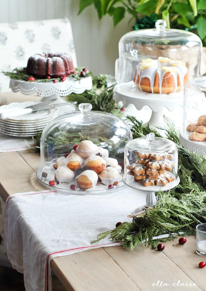 New Year's Eve Decor, Dines & DIYs - www.refashionablylate.com