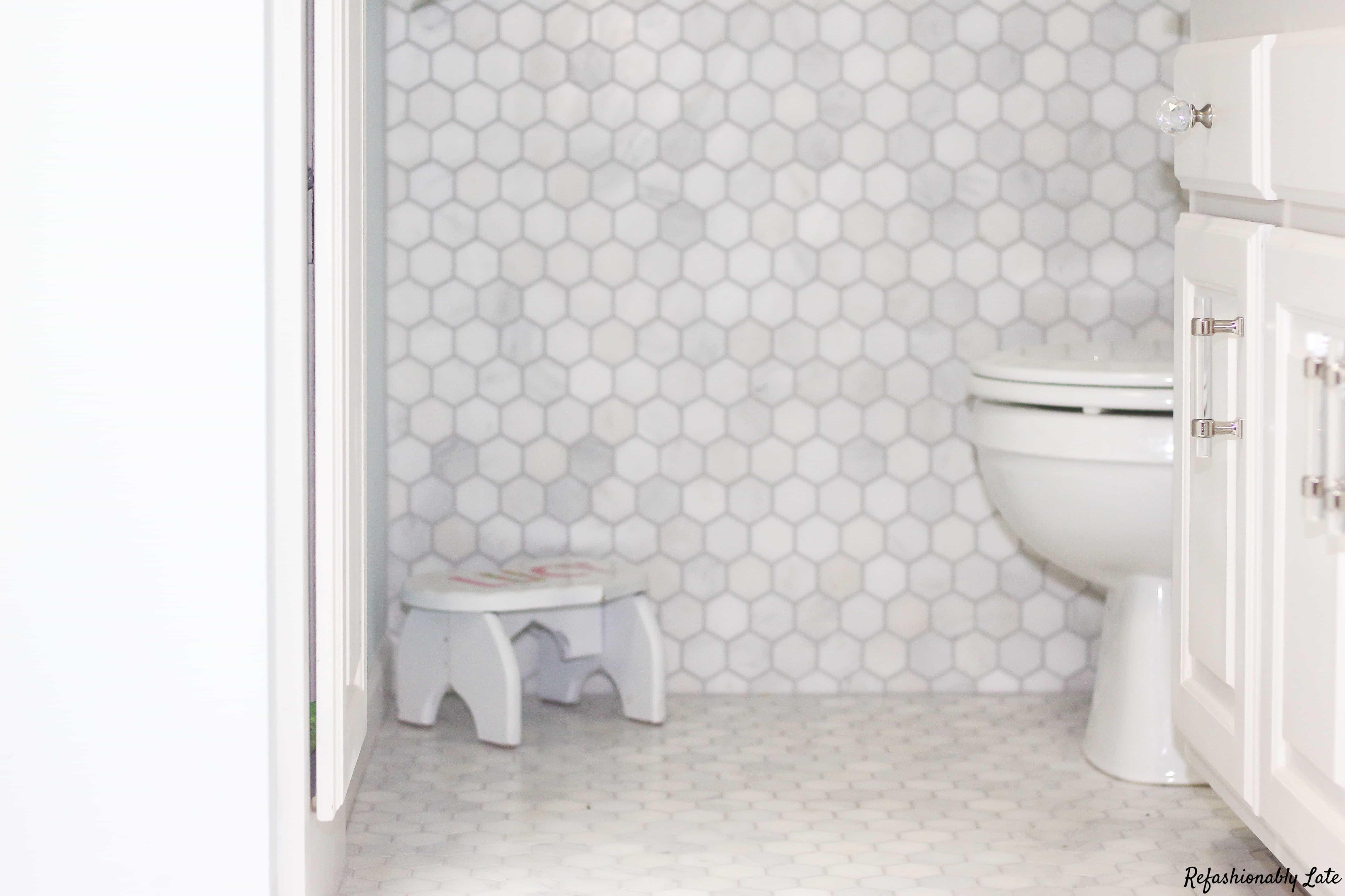 One Room Challenge Bathroom FINAL Reveal - www.refashionablylate.com