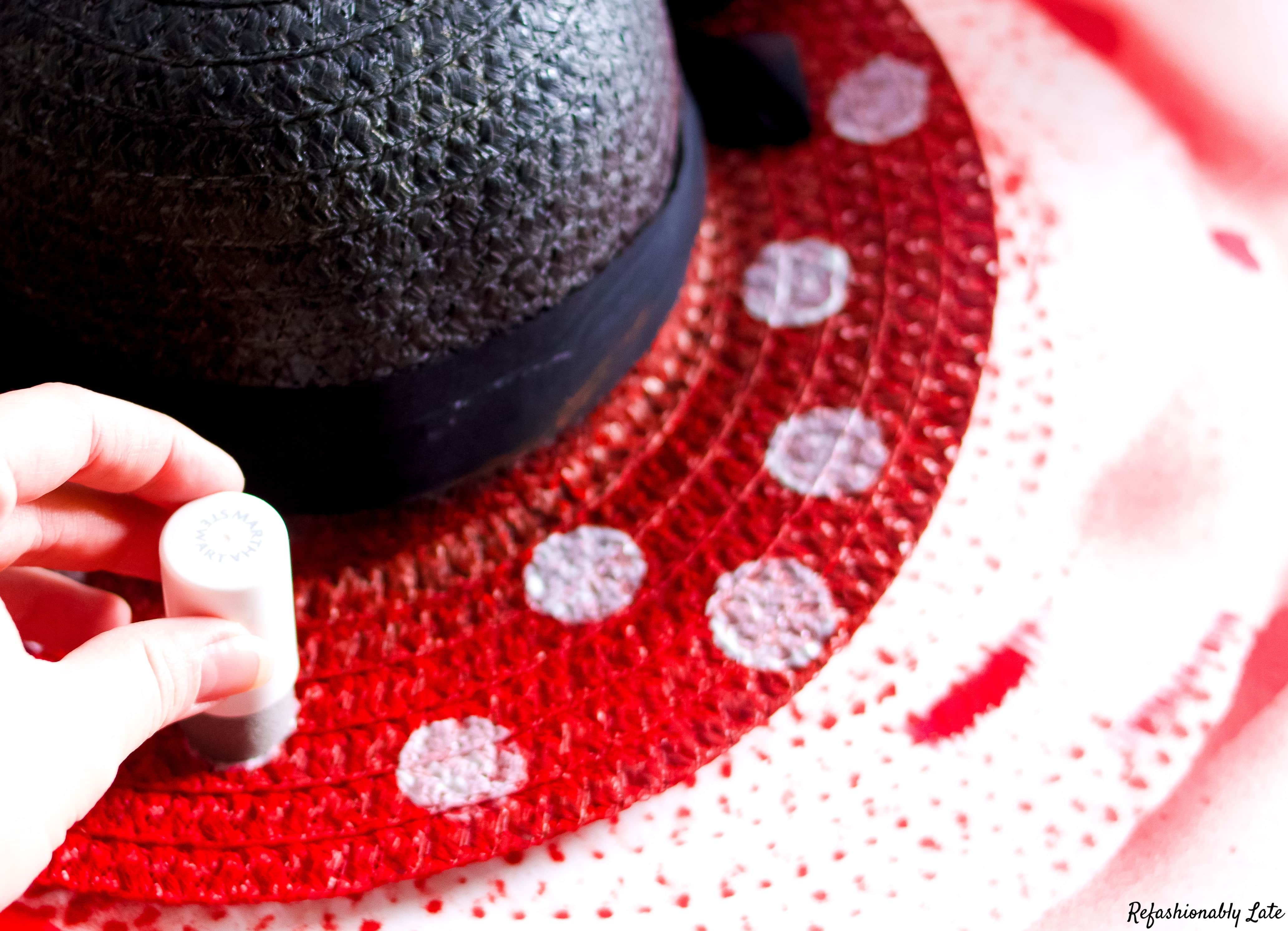DIY Minnie Mouse Sun Hat - www.refashionablylate.com