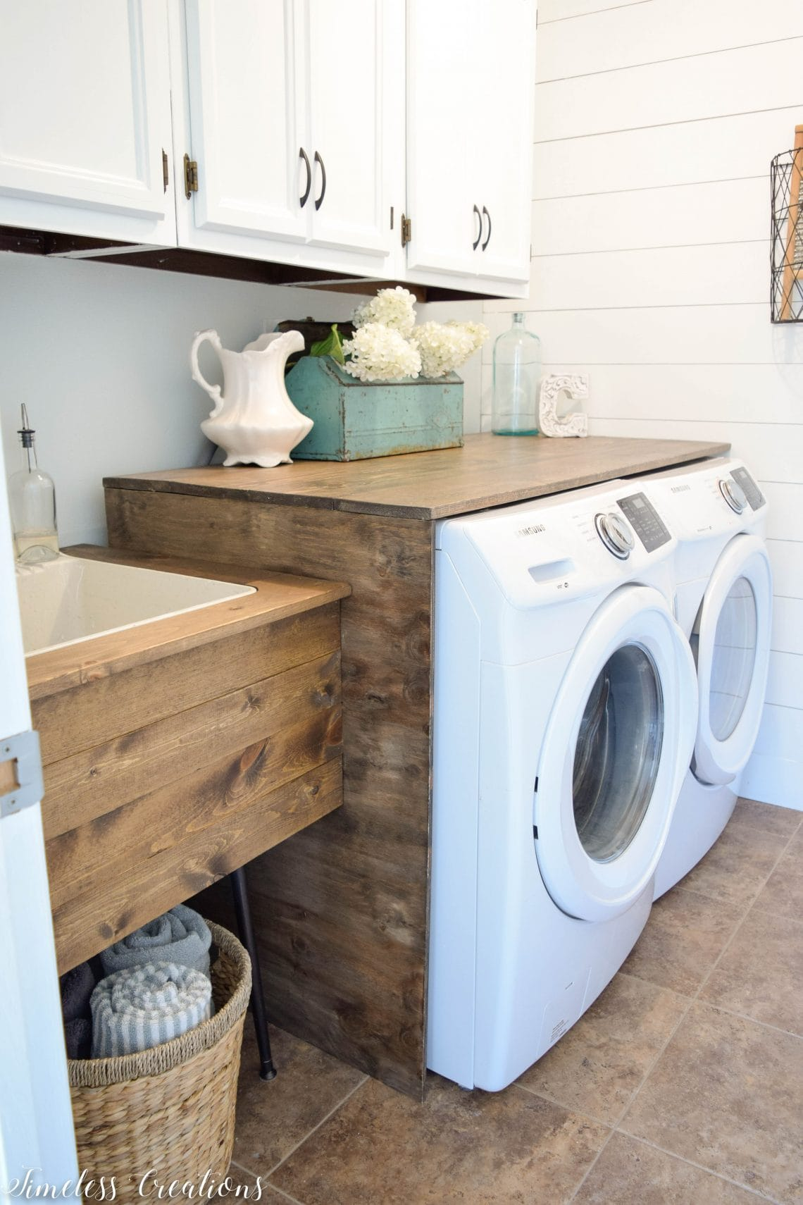 I Might Have To Try This One Out If I Ever Decide To Tackle Our Back Room/laundry  Room!